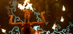 SummerFlame 2012: Das internationale Festival verwandelt aspern Die Seestadt Wiens in einen Ort der Feuer- und Bewegungskünste. (c) Andreea Sasaran