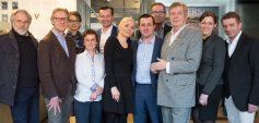ATMOS-Gruppenbild mit Supportern (C) Ines Thomsen